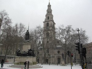 ...and here's St. Clement Danes, as seen from the west...