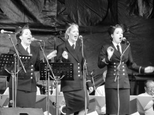 Could almost have been The Andrews Sisters... ;)