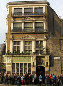 The Black Friar pub, opposite which I was standing for the last twenty pictures....